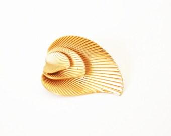 Marvella Brooch- Stacked Leaf Brooch- 1950s Fashion- Leaf Pin- Tiered Brooch- Gold Tone- Designer Piece- Leaf Jewelry- Vintage Marvella-