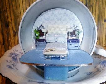 Bedroom in a Teacup