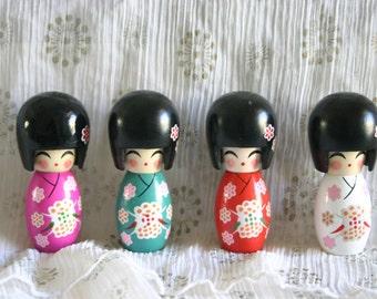 "GREEN Sakura chan - 1 Wooden Japanese Kokeshi doll (2.75""x1"" at widest points)"