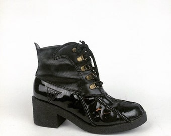 90's Guess Patent Faux Leather Chunky Heel Lace Up Rain or Snow Boots // 6.5 - 7