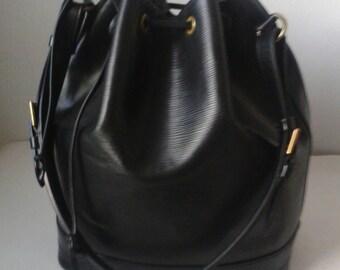 LOUIS VUITTON bag model Epi