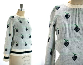 Vintage 1970's Clifton Place Strawberry Print Knit Sweater Retro Kitsch Women's Size Small Medium