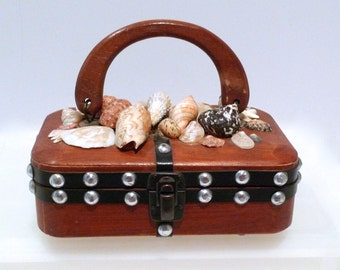 Seashell Treasure Chest Box Bag Vintage Encore Shell Wood Purse 1950s 60s handbag Pirate Small treasure box Wooden Box Bag Nail Heads Studs