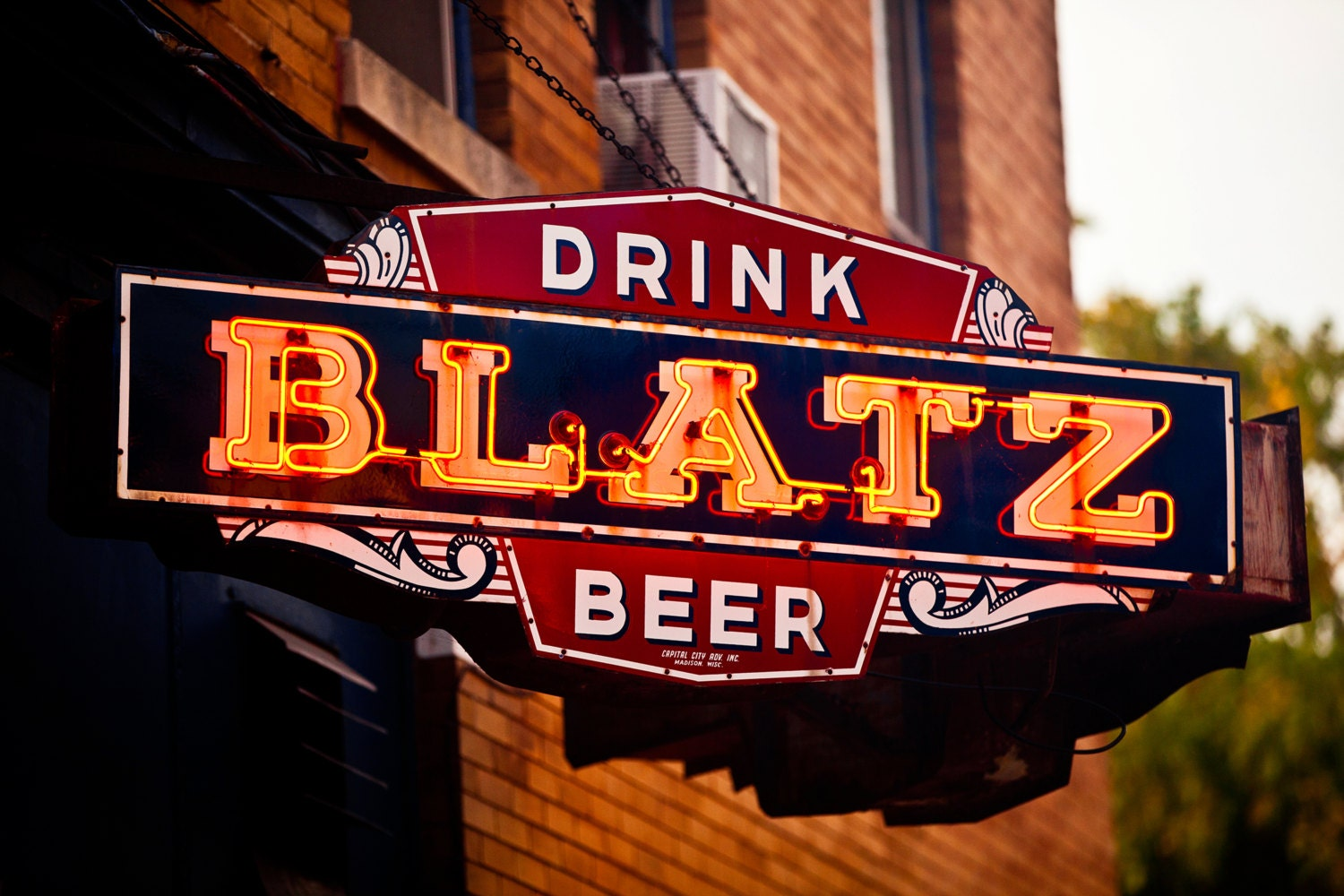 Souvenir additionally Article13150718 further 221845081470 furthermore Drunk as well Drink Blatz Beer Neon Sign Print Home. on vintage liquor art