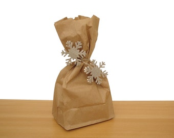 Party Favor Bags with Glitter Silver Snowflake Twist Tie, Snowflake Treat Bags, Frozen Party Decoration