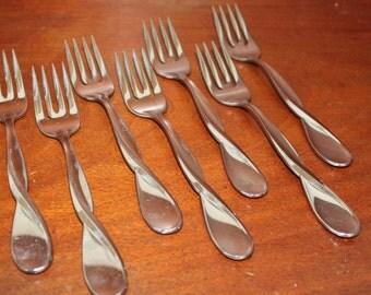 ONEIDA twists glossy stainless steel pattern BIN 2