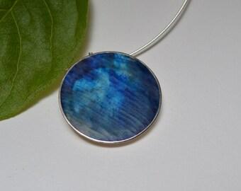 "Large blue resin ""dot'"