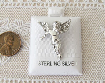 Vintage 3D Angel Sterling Silver Pendant, Cherub pendant, with cz wings