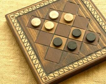 ANCIENT BOARD GAME - Woodwork - Art - Handmade - Decoration - Gift - Wedding gift - Christmas gift: Liberian Queah (Liberia, Africa).