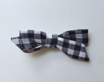 Black and white gingham dainty bow