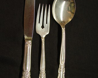 Oneida Silverplate Valley Rose Dinner Knife Salad Fork Soup Spoon