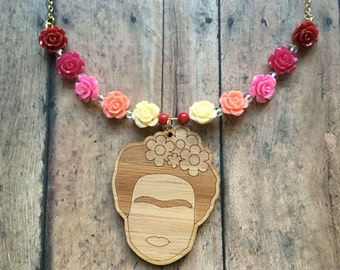 Gorgoeus rose frida necklace