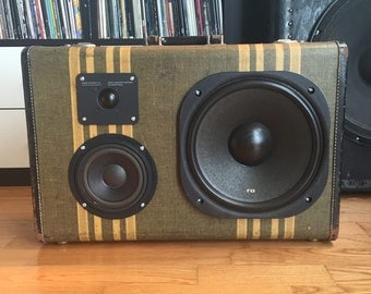 Roemer by HiFi Case - Portable Bluetooth Boombox Speaker