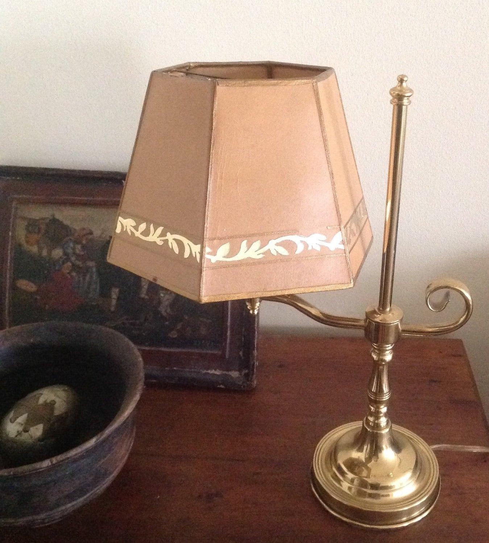 vintage solid brass table lamp classic design. Black Bedroom Furniture Sets. Home Design Ideas