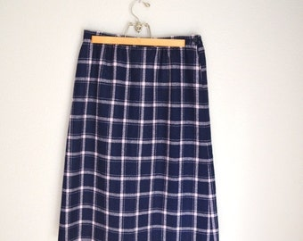July SALE - 15% Off - Vintage 80s Pastel Pink and Navy Blue Plaid PENDLETON Wool Skirt // size 10/ 12