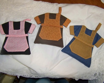 Dress with apron pot holder or hot pad; nice and thick
