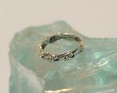 Vintage Sterling Silver Band Ring.. Fish Design Nice Detail.. Size 8.5 (#60)
