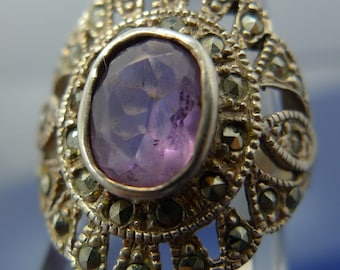 "Size 6 Vintage Ring : Sterling Silver Filigree w/ Marcasite and Amethyst signed  ""GM"" or ""CM"" #9903"
