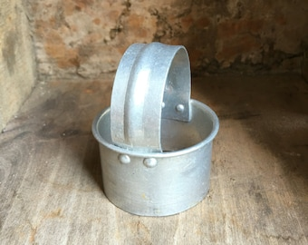 Vintage Aluminum Cookie / Metal Biscuit Cutter w Handle #D1015
