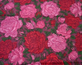 """Vintage Fabric, Brilliant Big Blooms, Pinks and Reds 1 2/3 Yards, 36"""" Wide"""