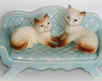 Cat Figurine Two Siamese Cats on Blue Sofa Love Seat Vintage Collectible Excellent Condition
