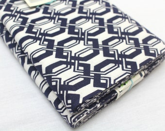 Japanese Vintage Indigo Yukata Cotton. Full Fabric Bolt for Traditional Clothing. Indigo Blue White Geometric (Ref: 1450)