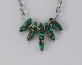 Gemstone Chain Necklace.  Hypoallergenic Jewelry.  Green Necklace.