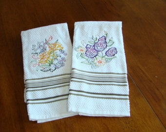 Set of 2 Spring towels.  These are embroidered with Spring flowers.  100% cotton towels.