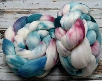 Chaotic Frozen In Time 4oz Superfine 18.5 micron Merino Wool Spinning Fiber Felting Combed Top Roving Teal Blue Wine White