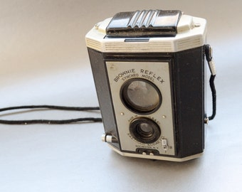 Vintage Brownie reflex Synchro camera