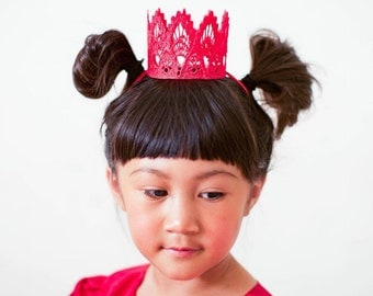 READY TO SHIP || Sienna|| red lace crown|| headband option|| photography prop || princess ||all ages