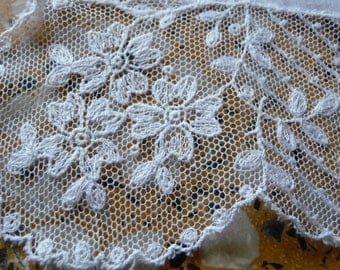 Lovely net lace embroidery hankie hanky wedding bridal