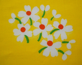 White Daisies on Bright Yellow Vintage Sheet Fat quarter