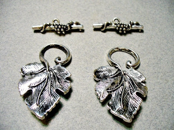 Toggle Clasp Grape Leaf Antique Silver 34MM and 24 Bar