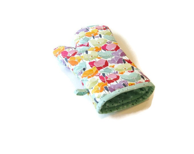 Floral Oven Mitt -Pastel Potholder -Poppies -Gift Under 25 - Gift for Foodie