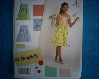 Simplicity 1893 Size Girls 7-16 Dress.