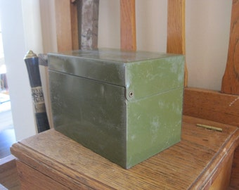 Primitive Rustic Desk Top Card File - Army Green Utility Box - Shabby Kitchen Recipes Holder - Index Cards