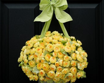 Outdoor Wreath - Alternative - Yellow Wreath