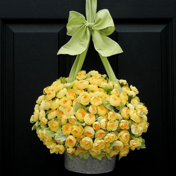 Outdoor Wreath - Alternative - Yellow Wreath