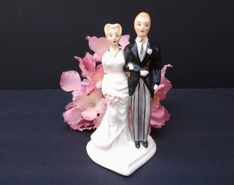 Vintage wedding cake topper - wedding decor - bride and groom - wedding figurine - bridal shower gift - heart - Napco - 50's  cake topper