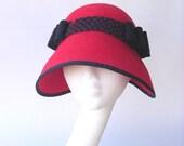Red cloche  blue hat  velvet felt vintage style 1920' 1930' millinery