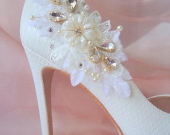 Shoe Clips. Ivory shoes, shoe clips rhinestone, shoe clips weddings, gold shoe clips, bridal shoe clips, shoe clip ons, RENATA mdw-0042