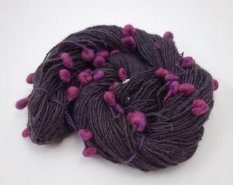 """Handspun Art Yarn, BFL, Merino, BFL, Silk, Bamboo - """"Berrilcious"""" 153m, 74g, Worsted 10wpi"""