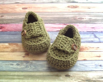 Green Baby Boy Shoes, Crochet Baby Loafers, Size 9 to 12 Months