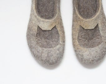 Felted slippers Cat slippers Womens slippers Woman home shoes Grey Brown Beige Tan Natural wool Organic wool Gift for her Woolen clogs