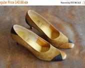 SALE / vintage 1970s shoes / 70s brown suede heels / size 8 narrow