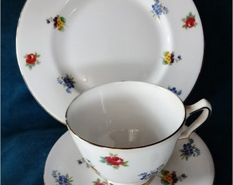 English Teacup Saucer and Plate Flowers