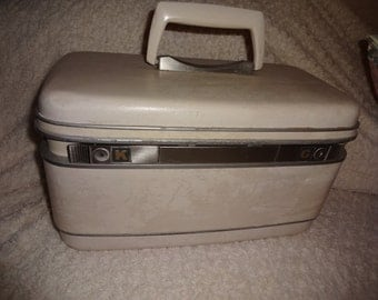 SALE ... Vintage Samsonite Train Case White with tray