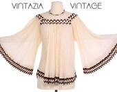 Vtg 70s Boho Embroidered Bell Sleeve Gauze Top