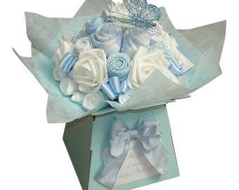 New Baby Gift - Baby Bouquet, Baby Shower Gift, Baby Clothing Bouquet, Diaper Cake, Baby Boy gift, 19 items of Baby Clothes
